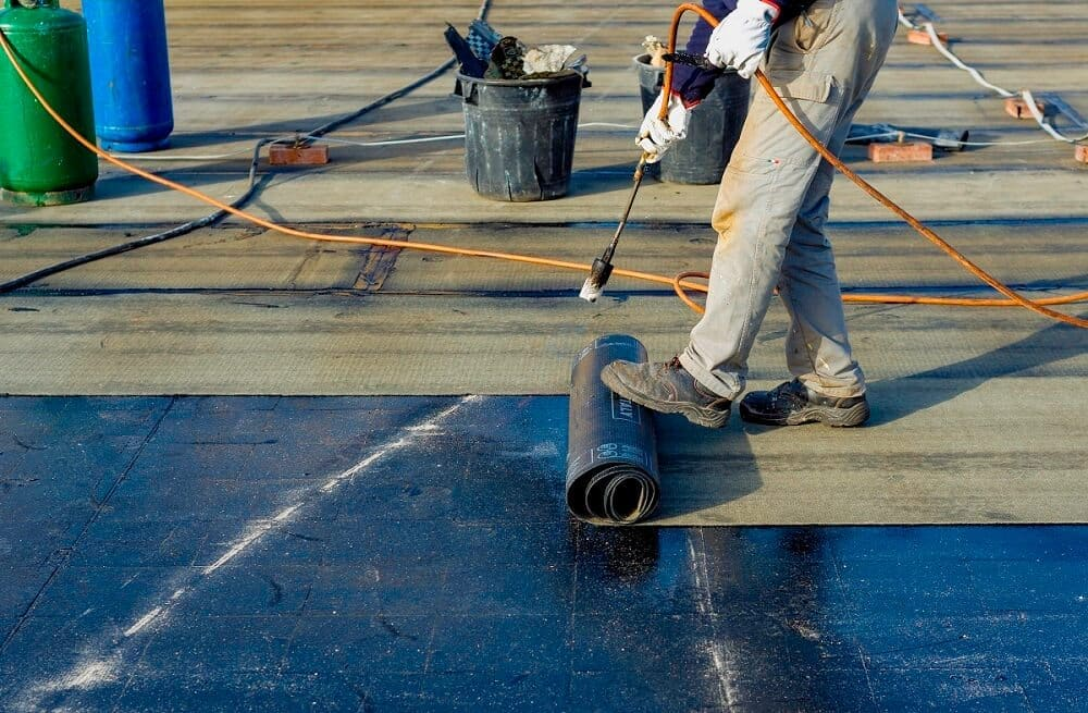 Jak konserwować dach z papy?